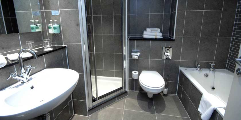 Killarney Court Hotel - Executive Bathroom